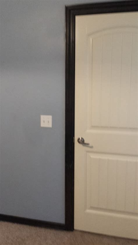door trim different color then baseboard