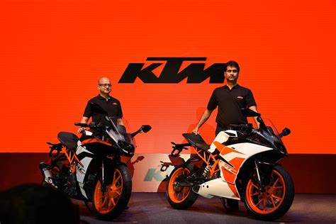 Ktm Rc 125 Price In Bangalore Ktm Launches Updated 2017 Rc200 2017 Rc390 All Details
