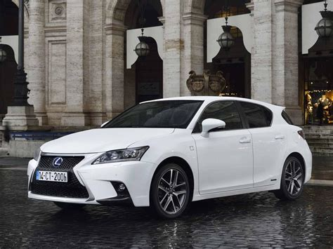 lexus hybrid 2017 lexus will give the compact hatchback segment a second