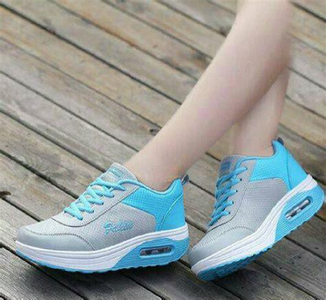 Sepatu Kets Wanita Casual Xads125 sepatu wedges wanita kets casual toko sepatu