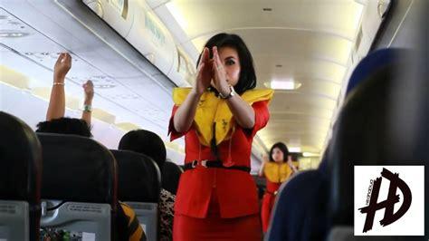 batik air flight attendant safety demo education for flight attendant batik air vs