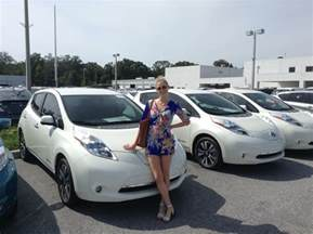 How Many Can A Nissan Leaf Go Nissan Leaf Vs Chevy Volt Vs Bmw I3 Cleantechnica