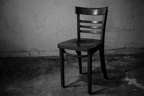 dat 272 empty chair in focus daily