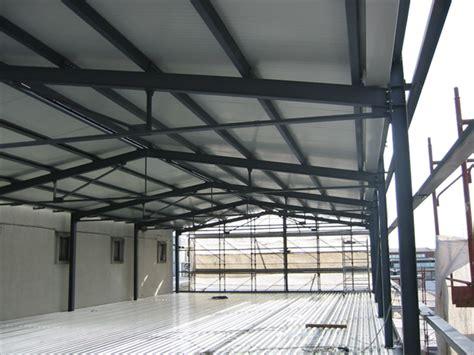 capannoni prefabbricati in ferro cotruzione capannoni in ferro capannoni metallici