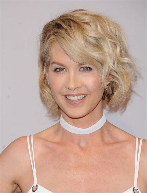 does jenna elfmans hair look better long or short jenna elfman curled out bob jenna elfman short