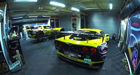 Garage Racing Corvette Racing 24 Hours Of Le Mans Live Gm Authority