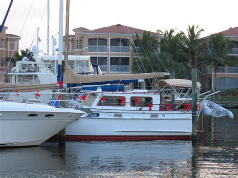 types of liveaboard boats you many choices