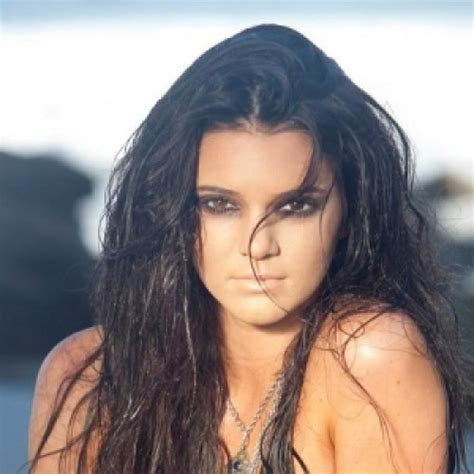 biography about kendall jenner birthday 3rd nov 95 birth place united states marital