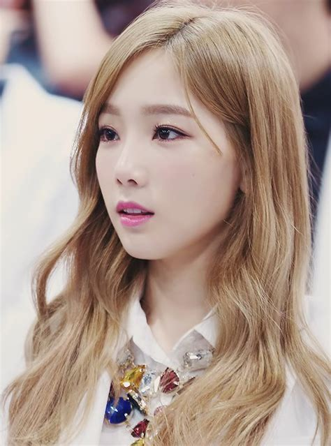 popular kpop hair colours the best of taeyeon s eye makeup throughout her career