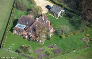 buckleberry manor kate middleton s parents get permission to expand 163 1