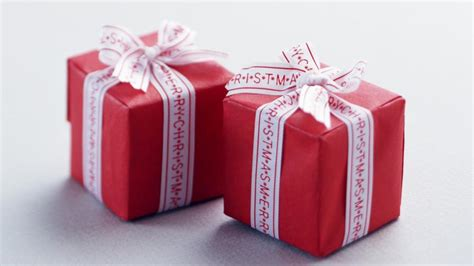 tiny christmas gifts wallpaper freechristmaswallpapers net