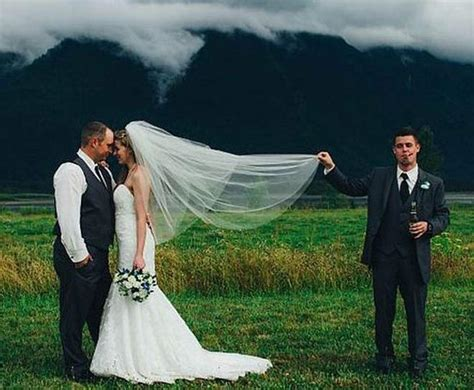crazy wedding photos here comes the crazy with 17 funny wedding pictures team jimmy joe