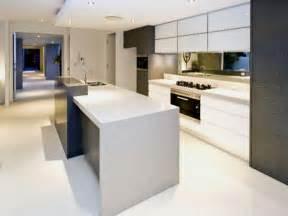 Modern Island Kitchen Design Using Granite Kitchen Photo