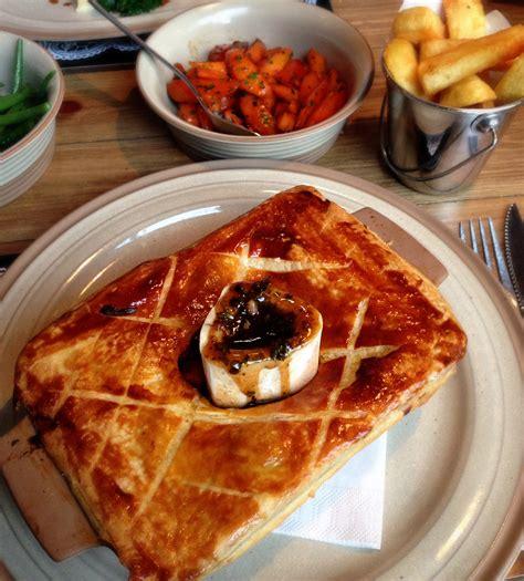tom kitchins meat and scran and scallie tom kitchin steak pie edinburgh we love food it s all we eat we