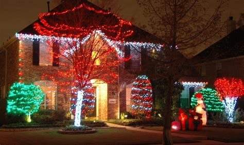 christmas lights green meadows landscaping design lawn