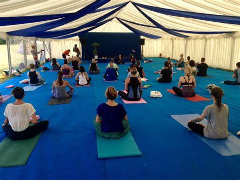 hatha power yoga  vinyasa yoga  sara north london