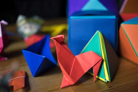 Origami Tokyo - folding paper at the origami kaikan tokyo for 91 days