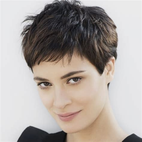 alluring ways  sport short haircuts    thick