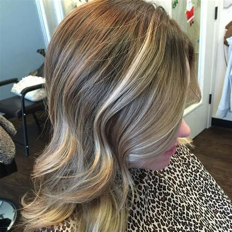 highlights to blend gray roots blending roots with highlights and lowlights balayage