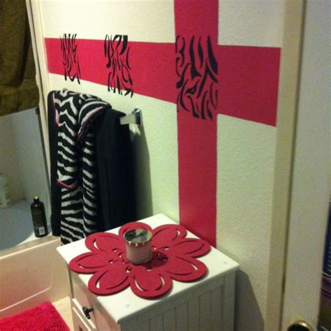 zebra bathroom ideas 25 best ideas about zebra bathroom decor on pinterest