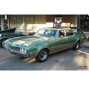 1973 Oldsmobile Vista Cruiser  Information And Photos