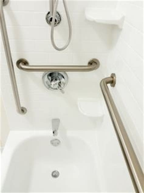 bathtub aids for elderly 1000 images about helpful aids for seniors on pinterest