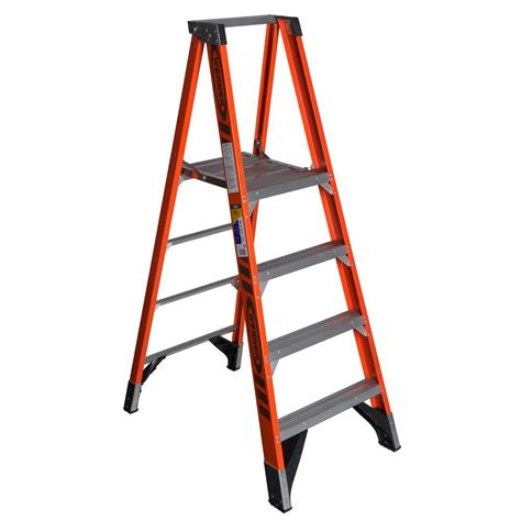 werner 4 ft fiberglass platform step ladder with 375 lb
