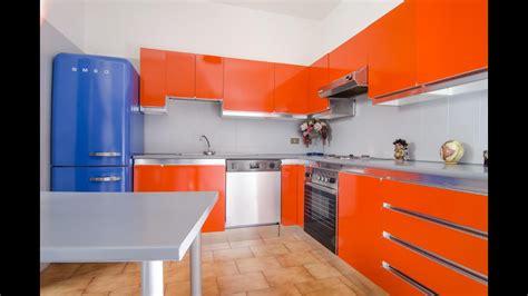 verniciare piastrelle cucina mobili della cucina laccati o in laminato formica