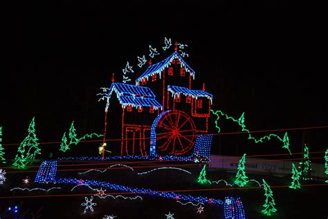 christmas lights up gatlinburg pigeon forge sevierville