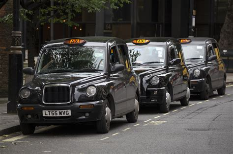 black cab london the metrocab navigating london without polluting it