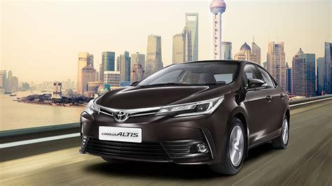 high mileage toyota corolla 2017 toyota corolla altis petrol automatic vs 2016 hyundai