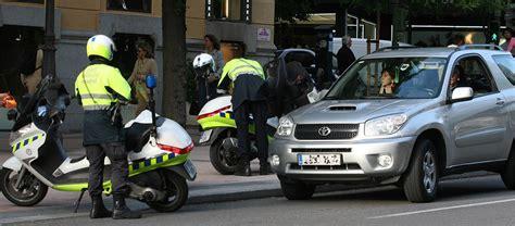 imagenes libres policia el ayuntamiento de madrid pone cuatro multas por minuto