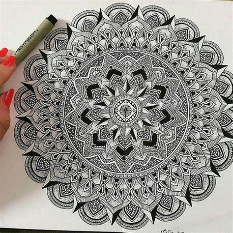 mandala tattoo künstler 106 best zentangle stuff images on pinterest zentangle