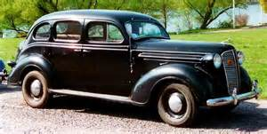 file dodge senior de luxe 4 door touring sedan 1937 jpg