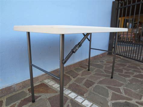 tavolo pieghevole per mercatini tavolo pieghevole 122 x 60 x 72 per catering sagre