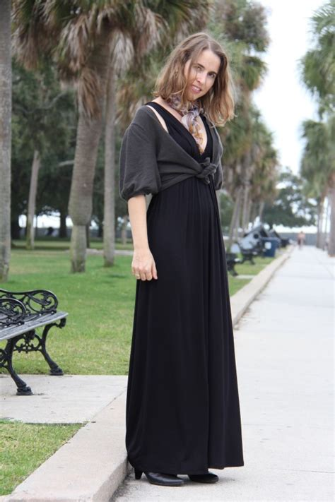 Layer Cardigan Bungari layer a maxi dress with a knotted cardigan for a pear