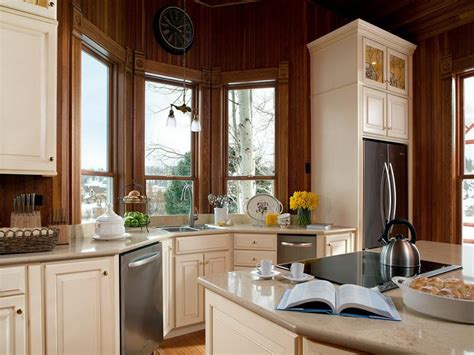 best color to paint kitchen cabinets 19 clever best color to paint cabinets homes alternative
