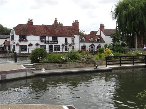 thames river arms photo0 jpg picture of kings arms sandford on thames