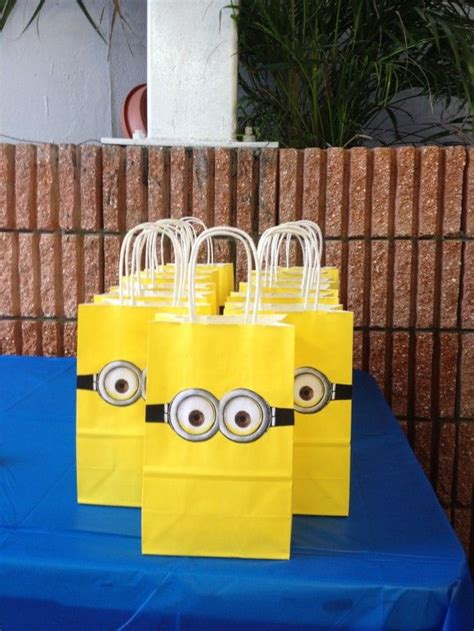 how to make minion favor bags 7 things you must have at your despicable me party favor