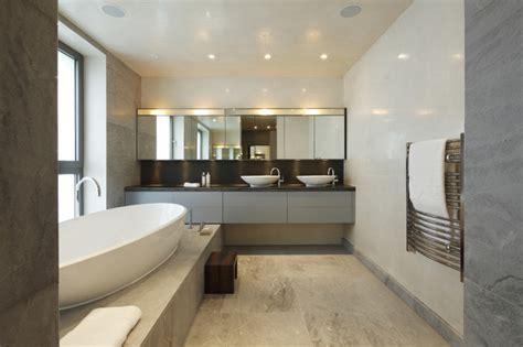 Glamorous modern bathroom modern bathroom london