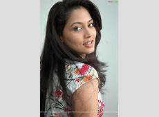 The Best Quality Wallpaper: Pooja Umashankar Shilpa Shetty And Shamita Shetty And Sunil Shetty