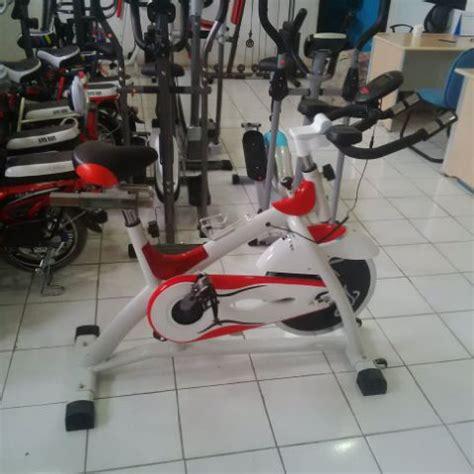 Alat Olahraga Fitness Sepeda Statis Spinning Bike Hanata Diet Langsing spinning bike alat olahraga dirumah sepeda fitnes statis magnetik excider model balap