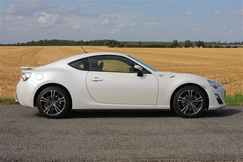 toyota coupe toyota gt86 coupe review parkers