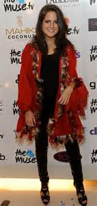towie pale lydia bright shown up by bronzed cara kilbey