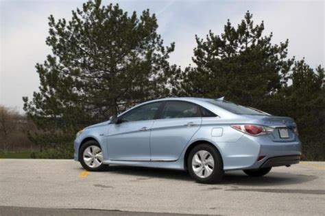 2013 Hyundai Sonata Hybrid Review by 2013 Hyundai Sonata Hybrid Review Car Reviews