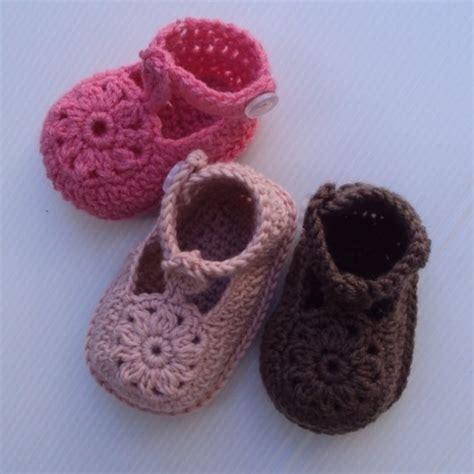 sapatinhos de beb on pinterest shoe pattern baby shoes and baby crochet shoes pattern coisas de beb 234 pinterest