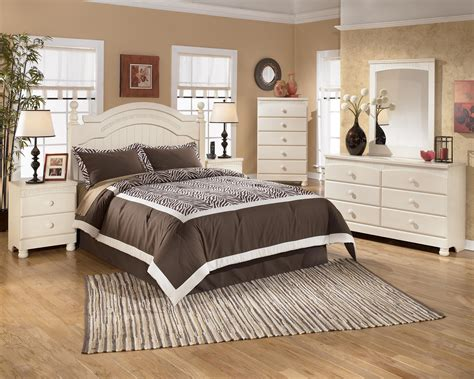 cottage retreat poster bedroom set by ashley furniture signature design by ashley cottage retreat b213 57n queen