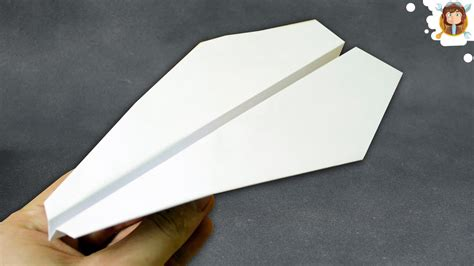 How To Make A Paper Airplane Fly Far - how to make a easy paper airplane that flies far