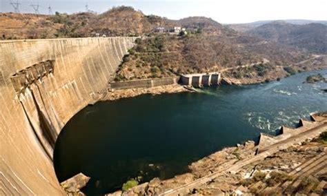 potential collapse  kariba dam tests disaster