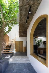 tropical house design with interior courtyard